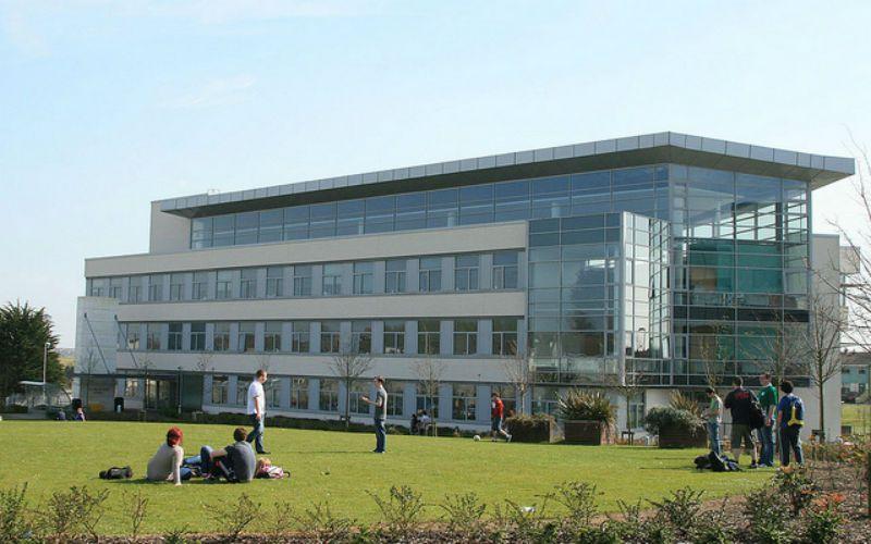 Curso de inglés en Waterford para estudiantes de 12 a 18 años: Residencia Campus