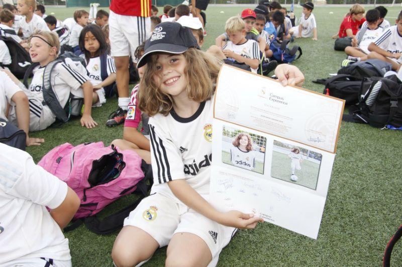 Campus Experience Fundación Real Madrid Fútbol Interno: Diploma y foto