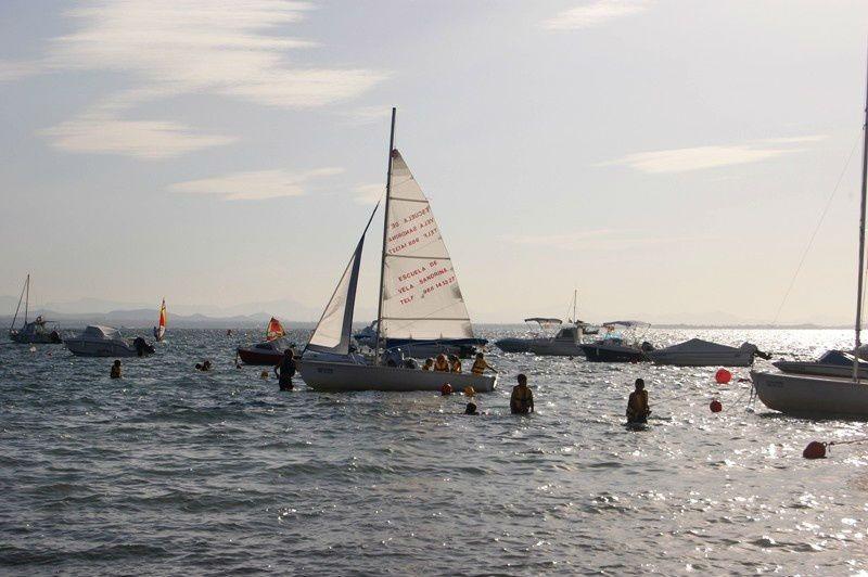 Campamento de verano náutico en Águilas, Murcia - velero