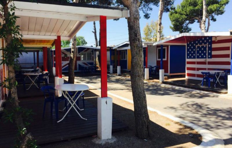 Viaje escolar fin de curso multiaventura náutica en Castellón: Alojamiento en cabañas