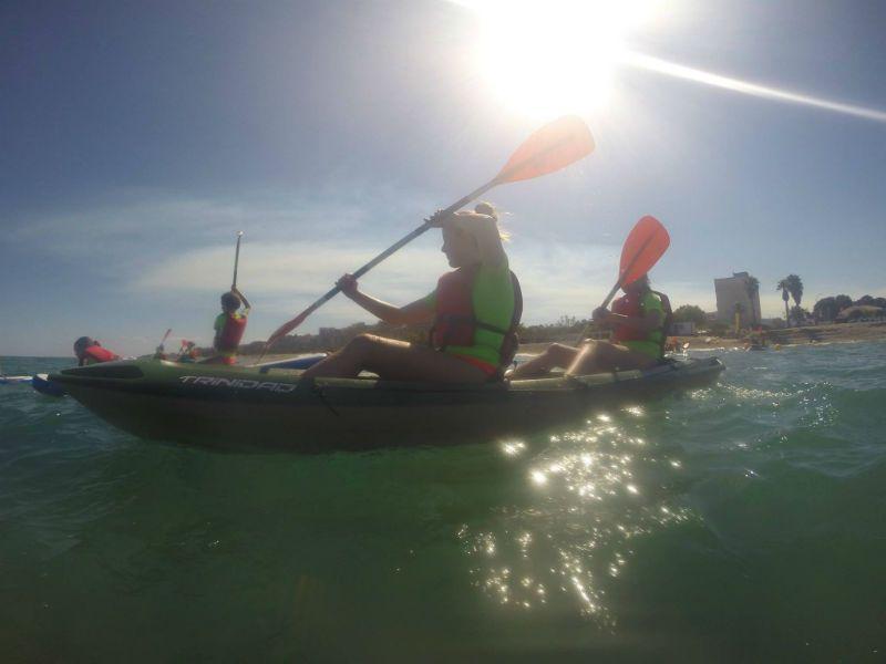 Viaje escolar fin de curso multiaventura náutica en Castellón: Kayak en el mar