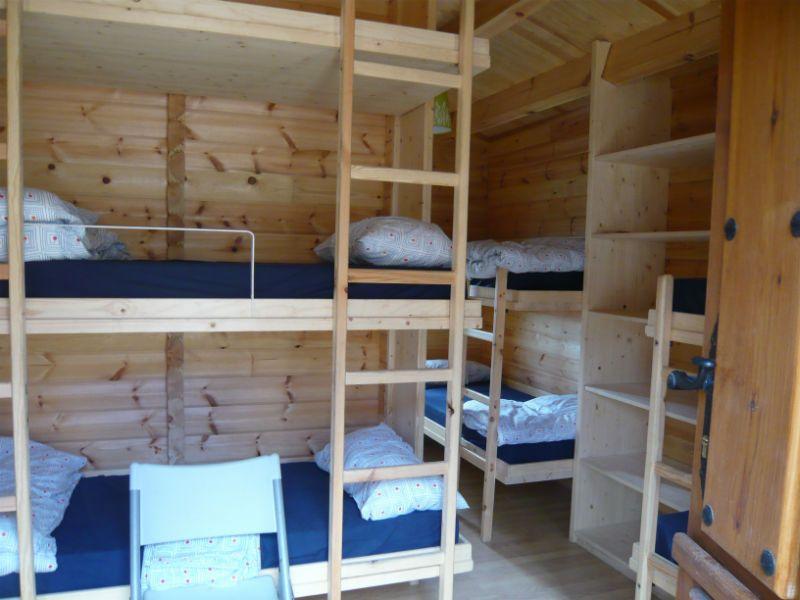 Viaje de esquí con inglés en Cantabria: Dormitorios cabañas