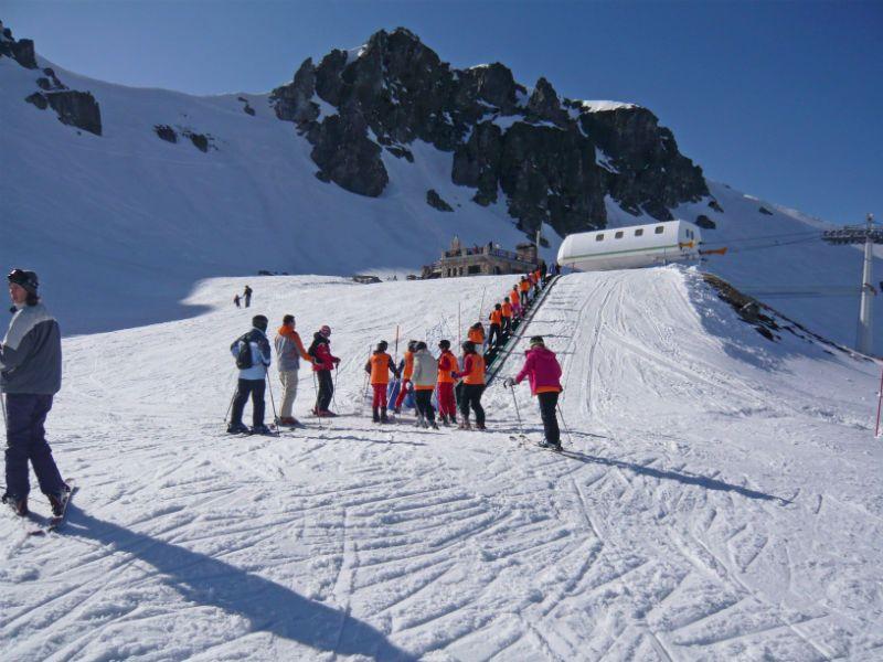 Viaje de esquí con inglés en Cantabria: Grupo en la nieve