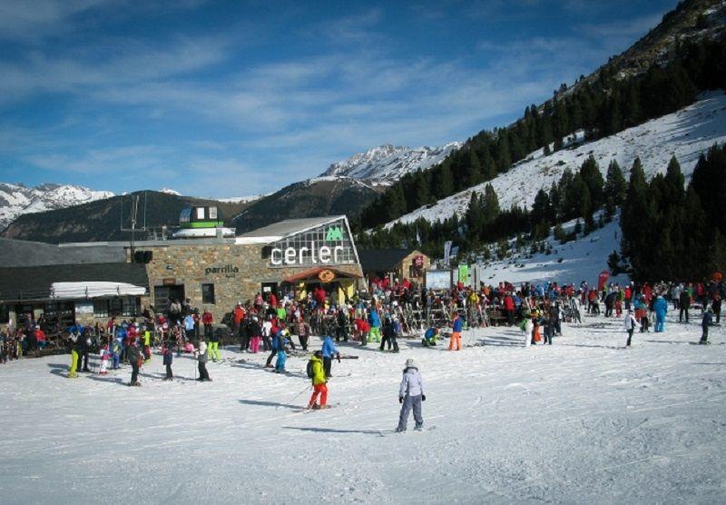 Viaje Escolar de Esquí a Aramón Cerler: Esquiadores