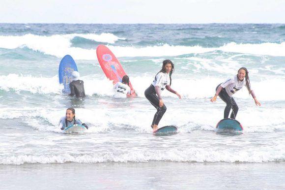 Campamento de verano de Surf con inglés en País Vasco