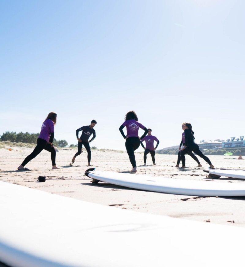Campamento de verano Surf en Cóbreces, Cantabria: Clase de surf